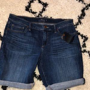 Lucky Brand Bermuda jean shorts size 6 / 28. NWT